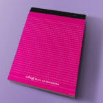 schrijfblokA4_omslag_magenta_gekleurdeachtergrond
